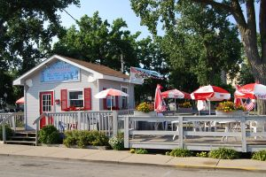 Dockside Ice Cream shares a deck with Dockside Dawgs